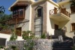 Three bedroom villa of 228m2 and 42m2 terrace only 5 minutes