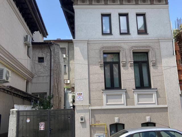 De vanzare casa Piata Romana - 1